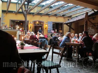 バックエーフェレ(Backöfele)店内