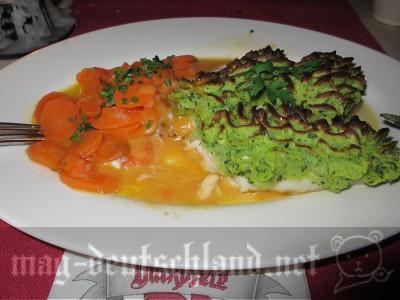 バックエーフェレ(Backöfele)白身魚の料理
