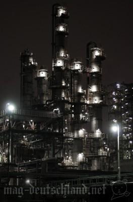 夜の工場見学
