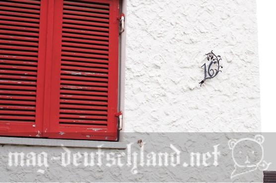 ドイツの家の壁にある番号